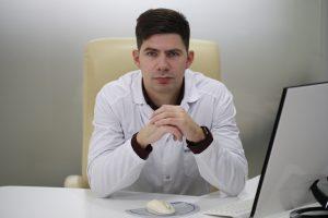 Пластический хирург, врач-мамолог, Юрий Диков