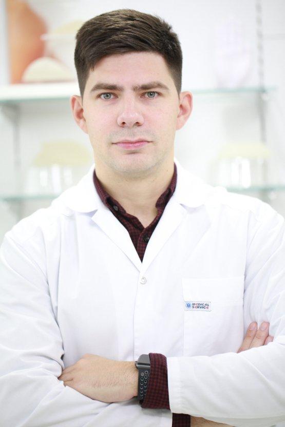 Пластический хирург Юрий Диков