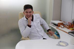Юрий Диков на рабочем месте